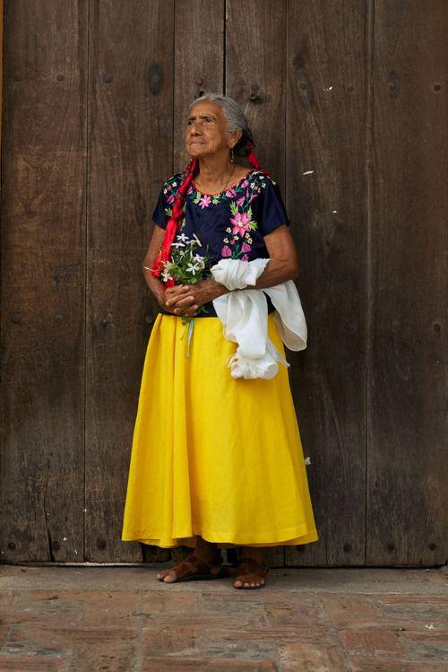 Oaxaca desde adentro. - La ladrona de flores. Oaxaca from within. - The flower thief.
