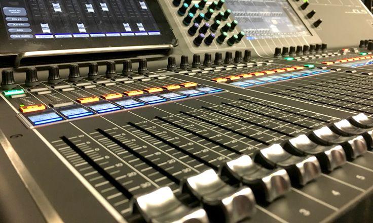 Alquiler de Equipos de Sonido Mesa de sonido de 64 canales Yamaha CL5