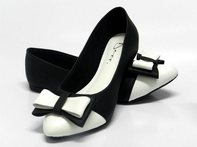 Sapatilha Feminina bico fino com Laço Preto Com Branco - Ref: 1159700