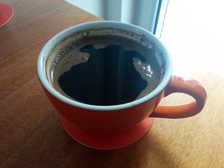 Ο καφές καρτούν. Σνούπι; Σκρεκ; Βοηθήστε.