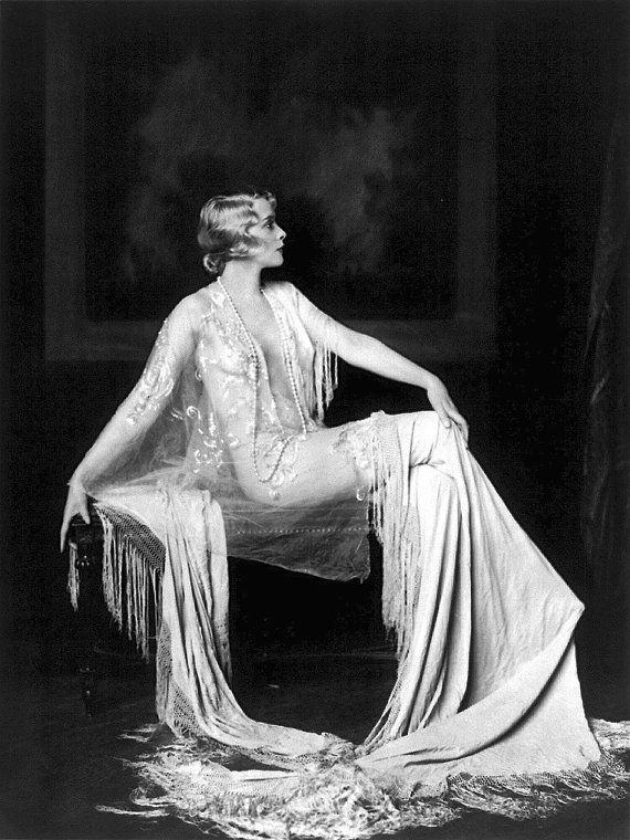 1920's Era Ziegfeld Follies Star Muriel Finlay-Black and White print 8 x 10 [730-089] Sexy Sultry Elegant Jazz Era