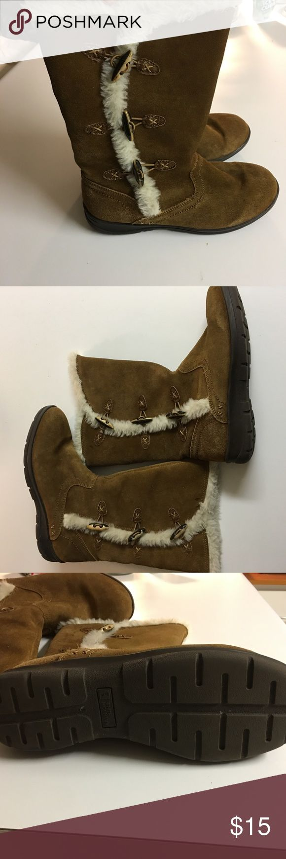 White Mountain Brown Suede Boots The item you are considering is a pair of brown suede boots. Women's size 9 1/2, leather upper, balance man made. Excellent condition! White Mountain  Shoes Winter & Rain Boots