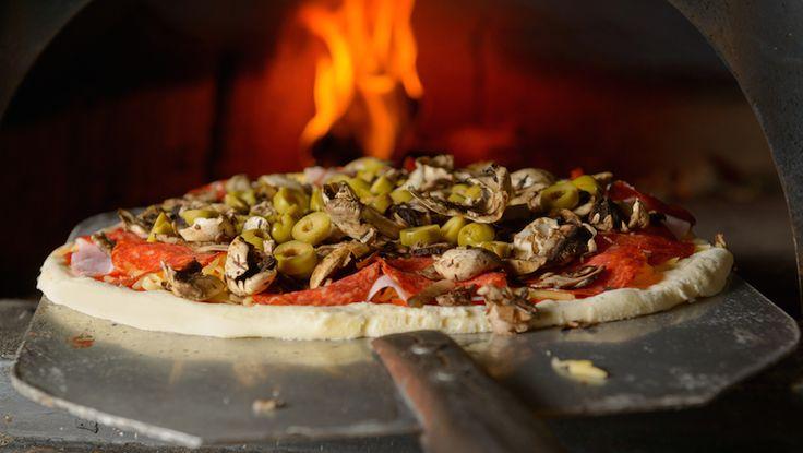 Jag undrar om man kan frysa in pizzadeg? Johan H Det går bra. Tänk bara på att du måste se till att degen är riktigt färdigjäst enligt anvisningen i receptet, annars blir det inte bra....