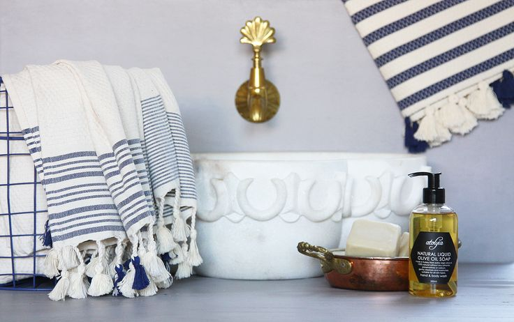 A soft and luxurious flat woven hand towel with tassel detail.  Atolyia developed this range over many many months to create a weave that is lightweight, very absorbent and beautifully soft. Made in central Turkey, building on a strong textile heritage, with a contemporary edge.  100% Cotton.  100 x 45cms.
