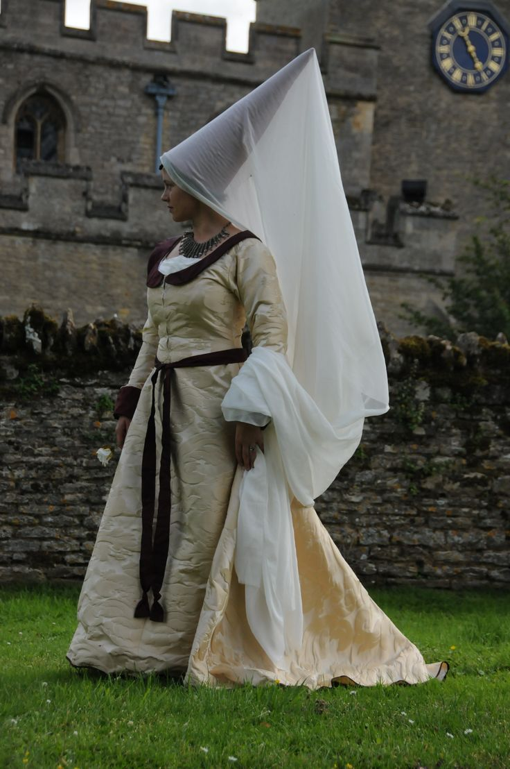 This conical hennin appeared from about 1430 onwards, initially only among aristocratic women, though later spreading more widely, especially in the truncated form. Typically, the hennin was 12 to 18 inches high, but might be considerably higher. The tops of some of these conical hats were pointed while others were truncated, ending in a flat top. It was generally accompanied by a veil, allowed to fall onto the shoulders or to the ground, or was pulled forward to close the woman's face.