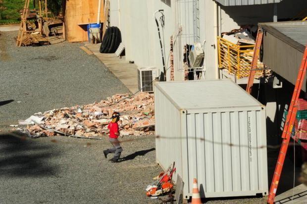 CONEXÃO BOMBEIRO : Queda de caixas-d'água mata duas mulheres e deixa ...