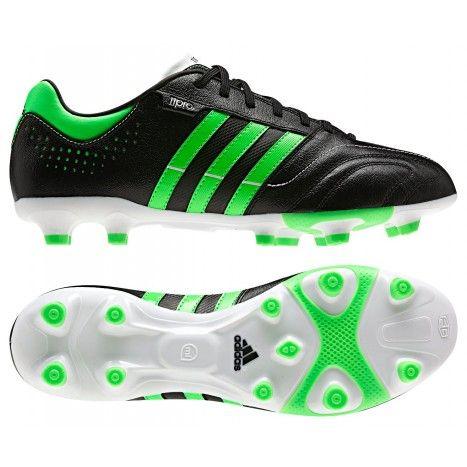 De @adidas 11Nova TRX FG #voetbalschoenen hebben speciale noppen. De driehoekige vorm van de noppen verkleint de draaicirkel. Schoenen met een scherpe prijs-kwaliteitverhouding. #dws