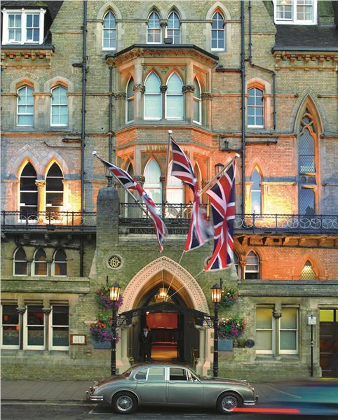 Randolph Hotel, Oxford #oxford #england. I stayed here, in this wonderful hotel across from the Ashmolean Museum, for three nights in June 2001. A great experience!