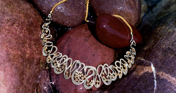 Indian Jewellery and Clothing: Tanishq jewellers