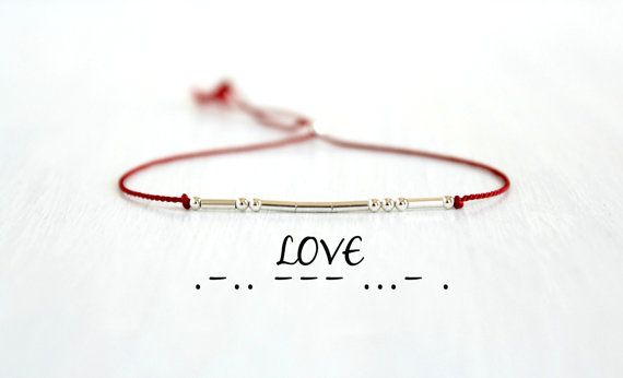 Liebe Morsecode Armband Paare Armband Jubiläumsgeschenk zierliche Sterling Silber Perlen Armband minimalistischen Schmuck rote Seide Schnur Armband   – سیم و هنر