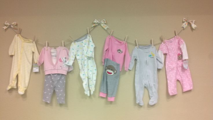 Baby shower clothesline wall decoration baby shower for Baby shower clothesline decoration