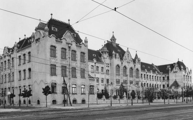 Könyves Kálmán körút 40., Magyar Nemzeti Múzeum Néprajzi Gyűjteménye és Tisztviselőtelepi Gimnázium.