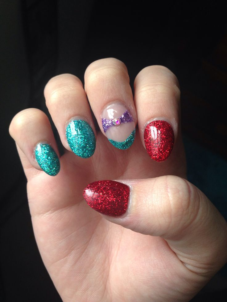 Little mermaid nails!
