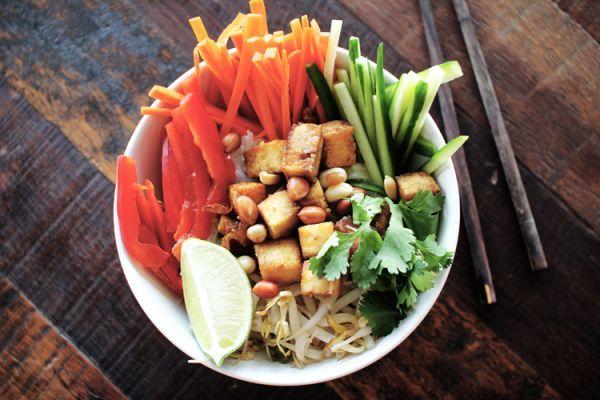Рецепт Вьетнамский салат с рисовой лапшой и тофу. Приготовление   блюда