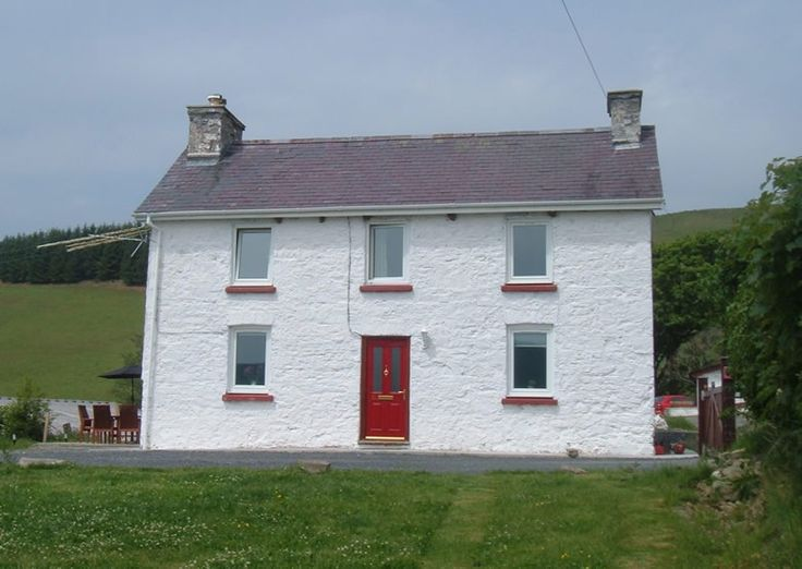 Limewashed Welsh Cottage (Penywaun House, Babel, Llandovery)
