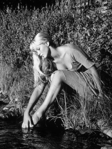 limot-marina-vlady-la-sorciere-1956.jpg (366×488)