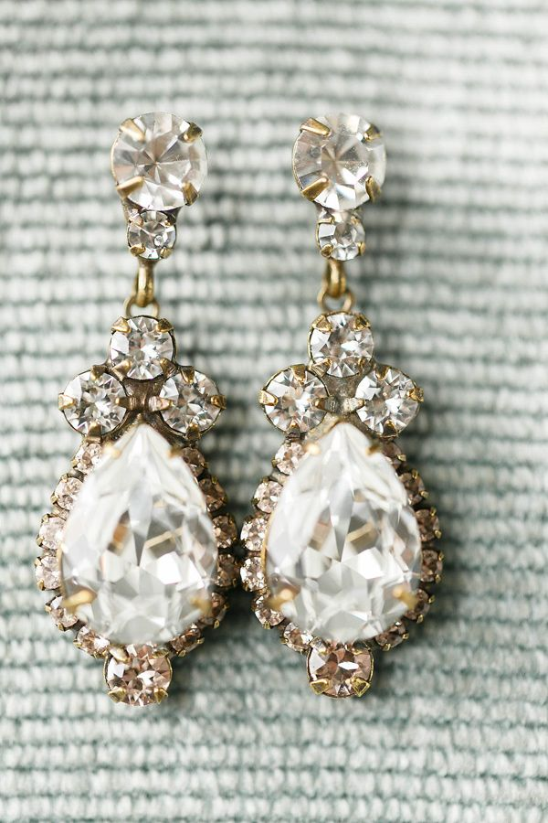 bridal earrings - photo by Virginia Ashley Photography http://ruffledblog.com/vintage-glam-rainy-day-wedding
