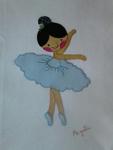 "Camisetas de niñas realizadas en patchwork. Camisetas decoradas ""ME GUSTA""Facebook"