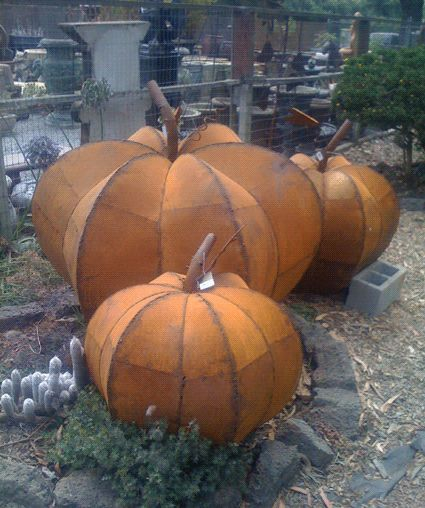 Metal Pumkin Sculputure, now if I could only weld