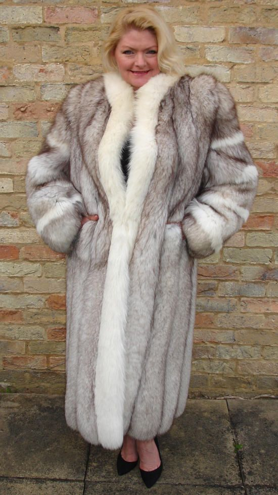 393 best fur 3 images on Pinterest | Furs, Fox fur and Fur coats