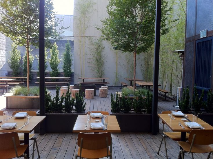 Comal restaurant garden architecture landscape design for Restaurant with terrace
