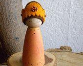 Reina de la cosecha de otoño, Waldorf caída a naturaleza mesa, muñeca de madera, cumpleaños reina, especia naranja, Mocha