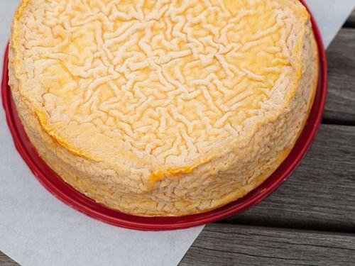 9 Awesome French Cheeses  Langres » Fromage de Meaux » Comte » Le Châtelain Camembert » Oussau-Iraty » Roquefort » Chèvre » Pont l'Evêque » Tomme de Savoie »