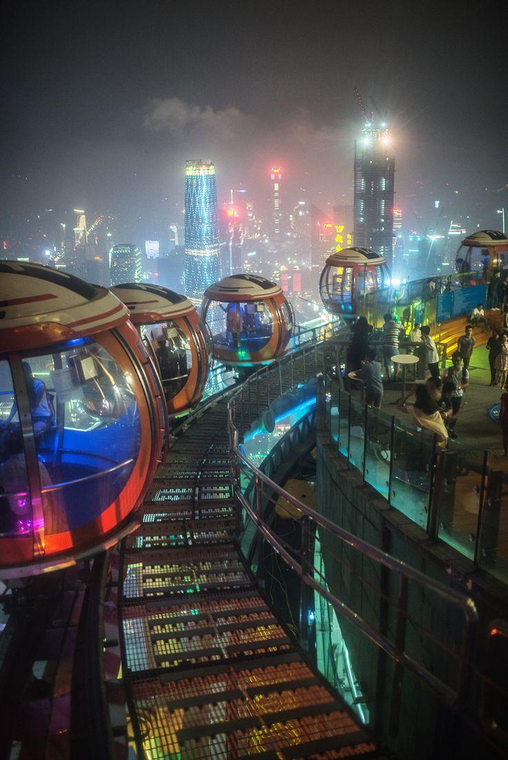On pourrait imaginer des villes très lumineuses, mais la lumière viendrait d'où…