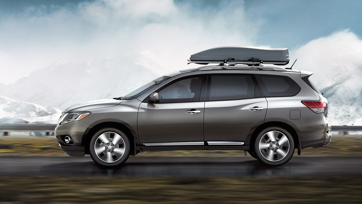 Nissan Pathfinder Platinum shown in Dark Slate with optional equipment | www.crownnissan.ca