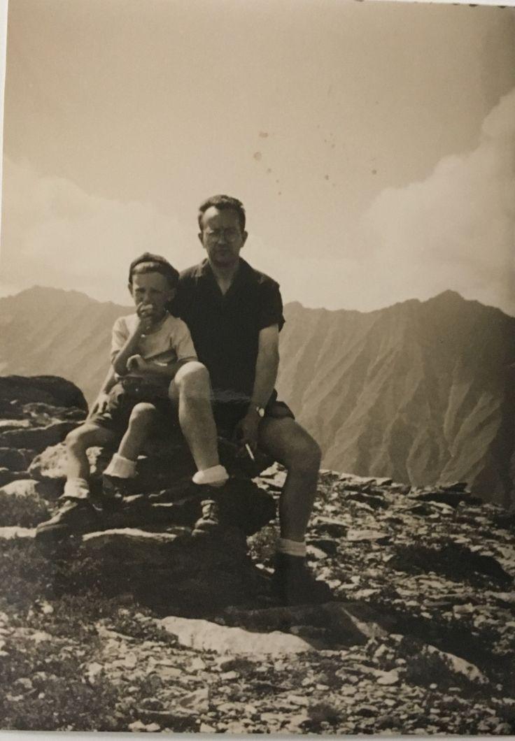 Enrico e Emilio Garrou sulla cresta del Cappello d'Envie anni 50
