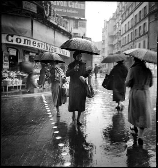 Paris 1930s  Rainy day  Photo:François Kollar