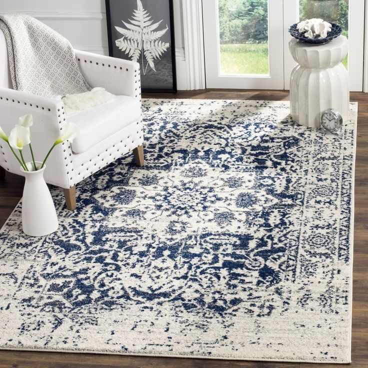 Safavieh Madison Bohemian Cream / Navy Rug (3' x 5')
