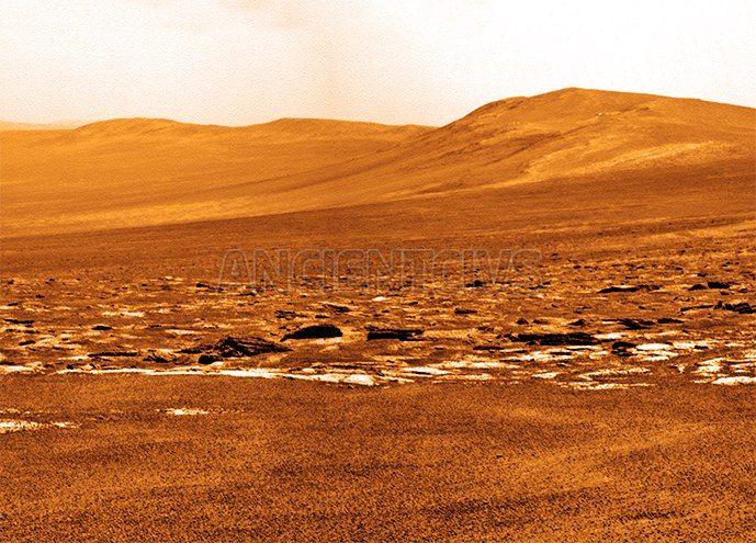 Opportunity готовится исследовать овраг Индевор  Марсоход НАСА Opportunity, который работает на Марсе с 2004 года, спустится в овраг, который образовался миллиарды лет назад под воздействием жидкости, которая, по предположению ученых, может быть водой  #Opportunity #марсоход #Марс #Красная_планета #НАСА #кратер #Индевор #исследования  http://ancientcivs.ru/opportunity