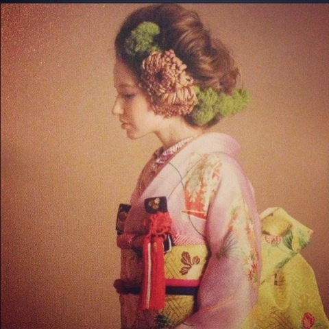Kimono and cute hair.