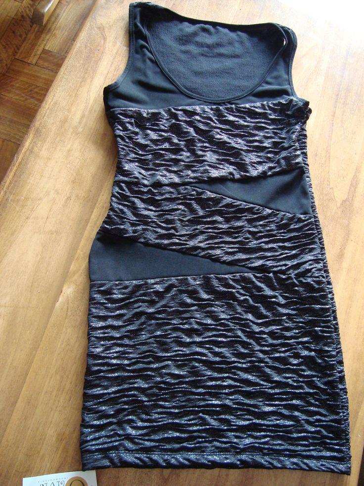 VESTIDO NUEVO $120 Small Negro con brillos plateados Tela con expandex 78 cm de largo 40 cm de sisa a sisa 34 cm de cintura