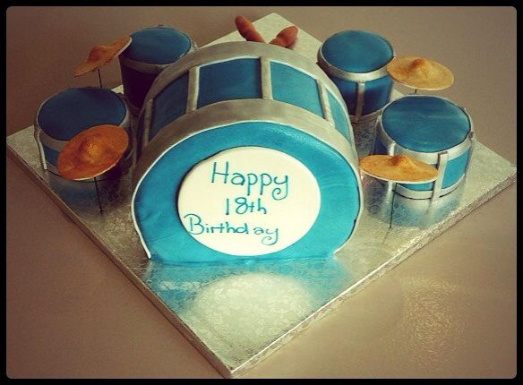 Drumset cake