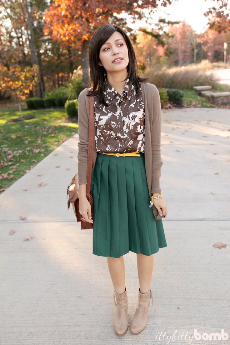 Great mix of colors in this outfit...must try!