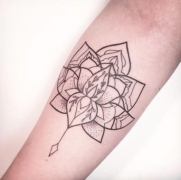 1000 Ideas About Lotus Mandala Tattoo On Pinterest: 1000+ Ideas About Lotus Mandala Design On Pinterest