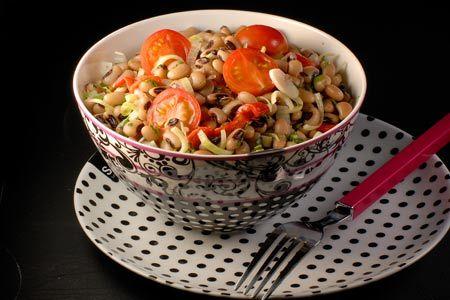 Μαυρομάτικα σαλάτα με πιπεριές και ντοματίνια - Συνταγές | γαστρονόμος