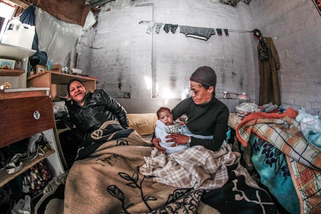 2 Women & Child, Woodstock Cape Town.