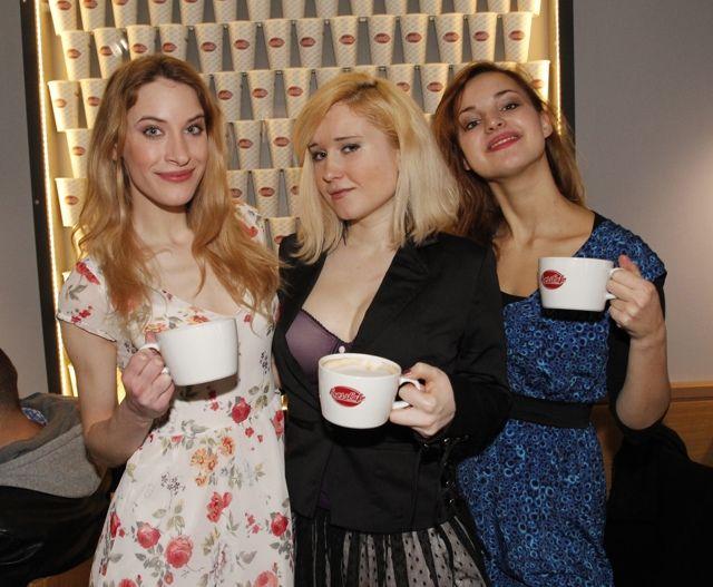 otevírání Crosscafé tvůrci filmu na Strossmayerově nám.