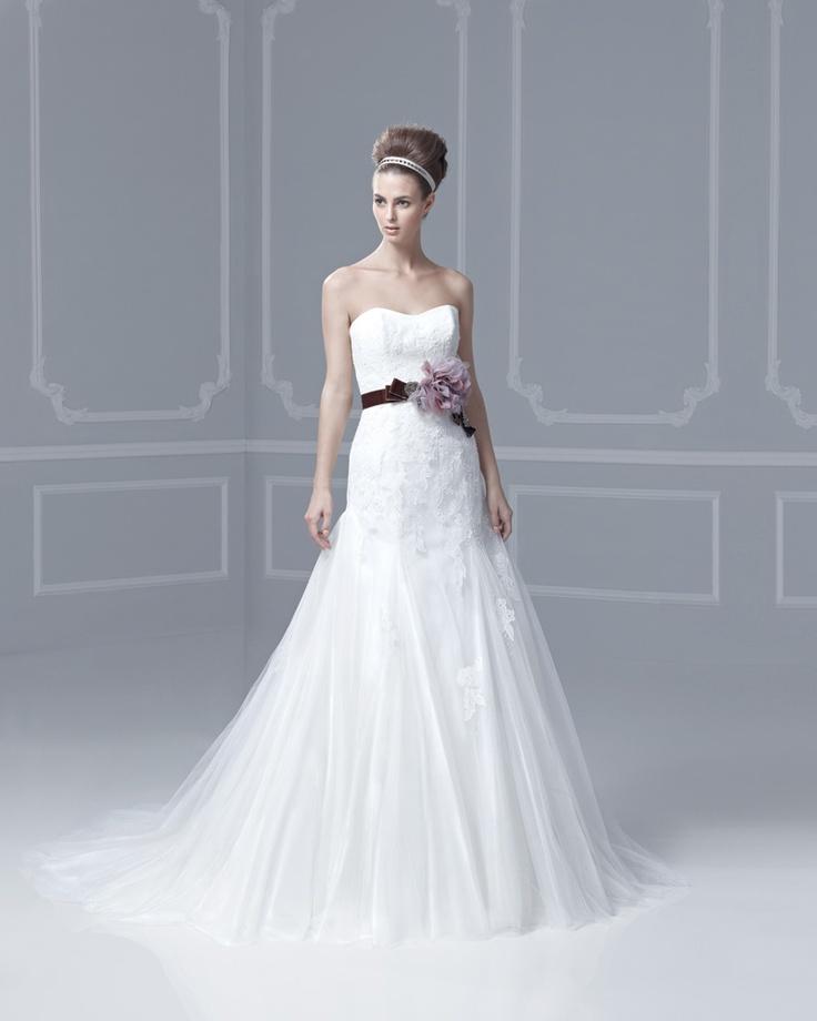 7 best Igen Szalon-Enzoani ruhák images on Pinterest | Short wedding ...