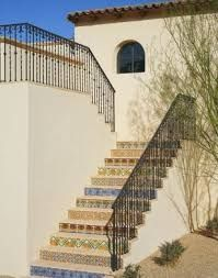 Image result for escada externa com azulejo