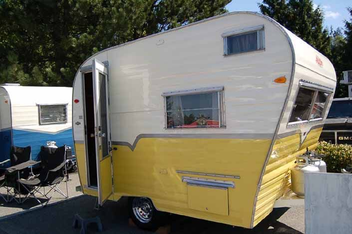 Great restoration of a classic Genie model vintage Aladdin travel trailer