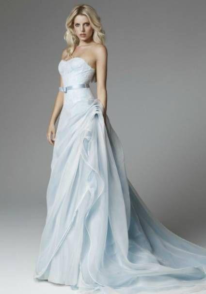 Blumarine Sposa 2013 Abito celeste con drappeggi laterali e cintura in vita