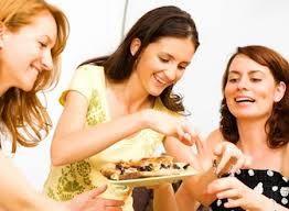 Sử dụng nấm linh chi sẽ giúp chị em ăn vui vẻ không lo bị béo