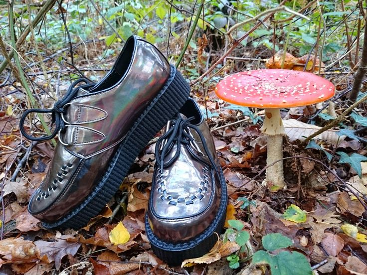 Bronze iridescent creepers. Find out more at http://wightcatwalk.co.uk/autumn-leaves-and-shiny-shoes/
