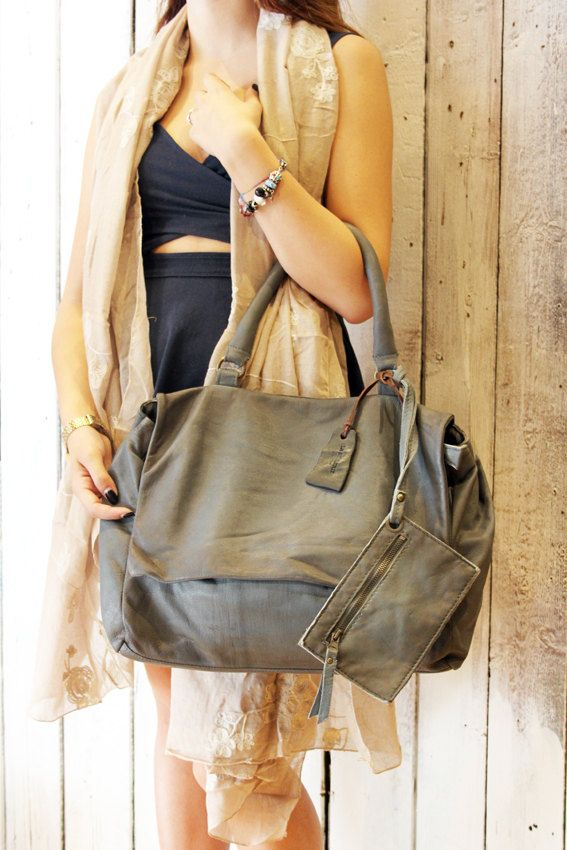 SAI BAG 2 :Handmade Italian  Leather Messenger Bag di LaSellerieLimited su Etsy