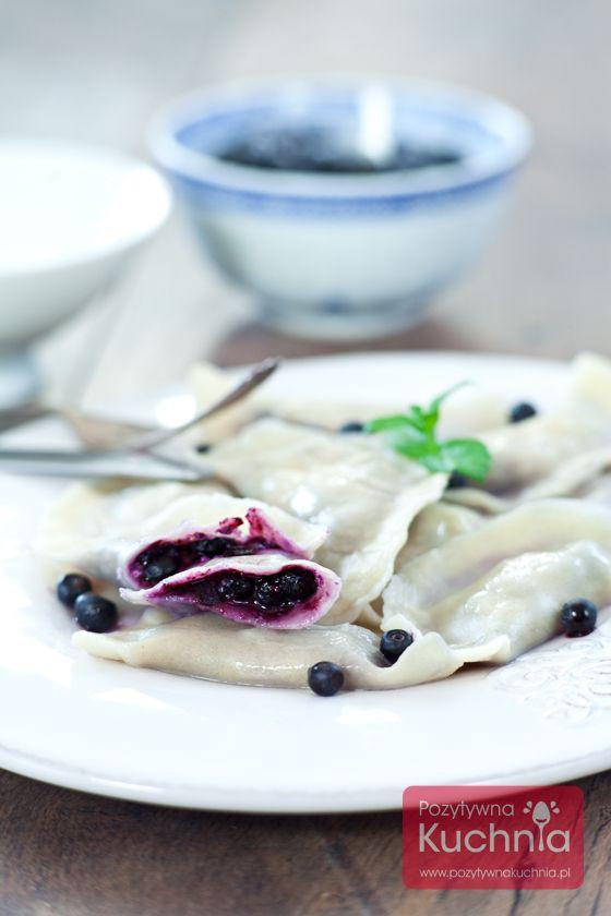 Pierogi z jagodami - najlepszy #przepis na #pierogi z jagodami  http://pozytywnakuchnia.pl/pierogi-z-jagodami/  #kuchnia #obiad #jagody