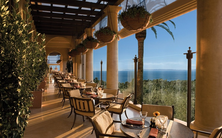 Heated terrace at Pelican Grill with views of the Pacific Ocean